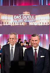 "20.11.2016, Puls4 Wahlarena, Wien, AUT, Puls4 Duell ""Wer wird Präsident"" anlässlich der Präsidentschaftswahl 2016, im Bild v.l.n.r. Präsidentschaftskandidat Alexander Van der Bellen und FPÖ-Präsidentschaftskandidat Norbert Hofer // f.l.t.r. Candidate for Presidential Elections Alexander Van der Bellen and Candidate for Presidential Elections Norbert Hofer (Austrian Freedom Party) before television confrontation beetwen top candidates for the austrian presidential elections in Vienna, Austria on 2016/11/20, EXPA Pictures © 2016, PhotoCredit: EXPA/ Michael Gruber"