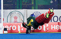 RAIPUR (India) . Christopher Rühr (Dui.)scores for Germany, goalie Tyler Lovell (Aus) tries to stop the bal   Hockey World League Final  men . AUSTRALIA v GERMANY.   © Koen Suyk/Treebypictures/WSP