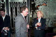 BENJIE FRASER; RONA DELVES-BROUGHTON, Lauren Goldstein Crowe hosts reception to thank those that particitated in the research for her book: Isabella, A Life in Fashion. The Fumoir. Claridge's. London. 8 November 2010. -DO NOT ARCHIVE-© Copyright Photograph by Dafydd Jones. 248 Clapham Rd. London SW9 0PZ. Tel 0207 820 0771. www.dafjones.com.