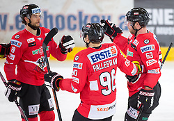 13.02.2016, Olympiaworld, Innsbruck, AUT, Euro Ice Hockey Challenge, Österreich vs Frankreich, im Bild Torjubel Österreich nach dem 1:0 durch Brian Lebler (AUT) // Austria celebrating after Brian Lebler of Austria scored a goal during the Euro Icehockey Challenge Match between Austria and France at the Olympiaworld in Innsbruck, Austria on 2016/02/13. EXPA Pictures © 2016, PhotoCredit: EXPA/ Jakob Gruber
