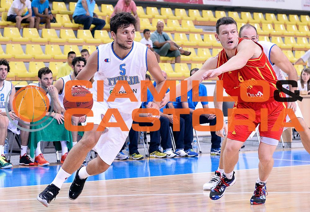 DESCRIZIONE : Skopje Nazionale Italia Uomini Torneo internazionale Italia Montenegro Italy Montenegro<br /> GIOCATORE : Alessandro Gentile<br /> CATEGORIA : palleggio<br /> SQUADRA : Italia Italy<br /> EVENTO : Torneo Internazionale Skopje<br /> GARA : Italia Montenegro Italy Montenegro<br /> DATA : 25/07/2014<br /> SPORT : Pallacanestro<br /> AUTORE : Agenzia Ciamillo-Castoria/A.Scaroni<br /> Galleria : FIP Nazionali 2014<br /> Fotonotizia : Skopje Nazionale Italia Uomini Torneo internazionale Italia Montenegro Italy Montenegro