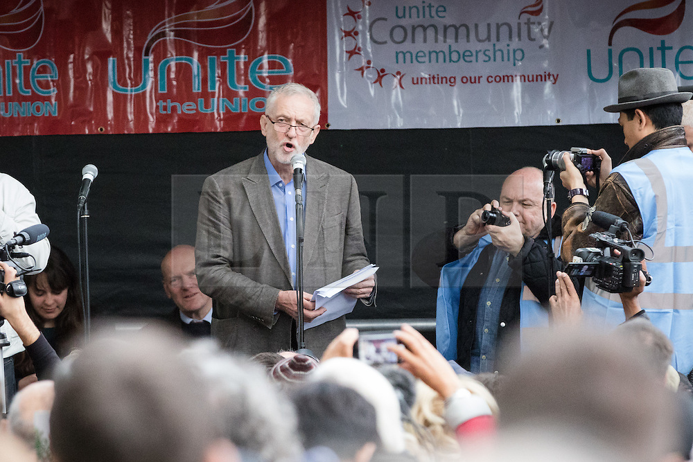 © Licensed to London News Pictures. 09/10/2016. LONDON, UK.  JEREMY CORBYN, Labour party leader speaking to socialists, Trade Unionists, Jewish and anti racism groups at a march and rally from Altib Ali Park in Whitechapel to Cable Street to mark the 80th anniversary of the Battle of Cable Street and commemorate the defeat of fascism and Sir Oswald Mosley's British Union of Fascists (whose members were known as Blackshirts) in London's east end in 1936. The activists today are also protesting against the rising number of racist and anti-semitic hate crimes in London following Brexit. On 4th October, 1936 the police tried to escort Mosley and his Blackshirts along Cable Street, but they were stopped by local Jewish, Irish and English residents who built barricades and hurled back the fascists by force.  Photo credit: Vickie Flores/LNP