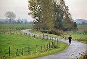 Nederland, Ubbergen, 30-10-2011Vlak buiten nijmegen, in de Ooijpolder is het prachtig om een stuk te lopen.Foto: Flip Franssen/Hollandse Hoogte