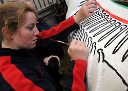 © licensed to London News Pictures. UK  21/10/09. Champion horserider Gillian Higgins teaches horse anatomy by painting the inside of a horse on the outside of a horse. Pictured here with horse KITOS. Please see special instructions for usage rates. Photo credit should read STEPHEN SIMPSON/LNP
