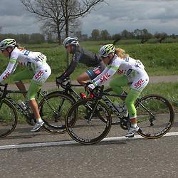 Ronde van Gelderland 2012 (101) Anne de Wildt,  (97) Kelly Markus
