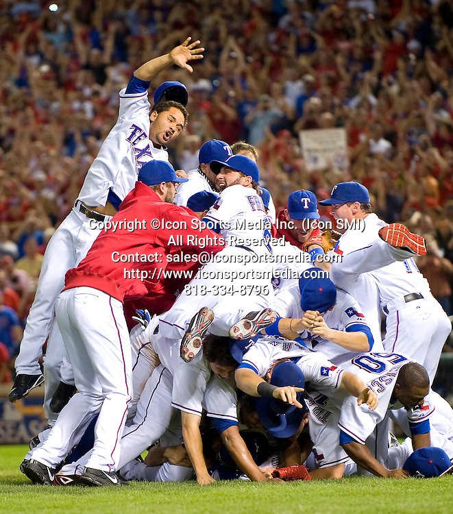 22 October 2010:  NY Yankees Vs Texas Rangers ALCS Game 2: The Texas Rangers win the ALCS 6-1 and beat the Yankees. Rangers Ballpark, Arlington, TX. ***NEW YORK NEWSPAPERS OUT---NO NEW YORK NEWSPAPERS***