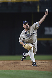 Phoenix,AZ - 04/24/04 Pitcher David Wells delivers a pitch in the sixth inning against the Arizona Diamondbacks. The Padres went on to win 4-2. Ross Mason photo