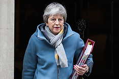 2019-03-20 Theresa May leaves for PMQs