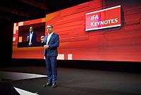 DEU, Deutschland, Germany, Berlin, 06.09.2019: Internationale Funkausstellung (IFA), IFA-Direktor Jens Heithecker stellt den Keynote-Redner vor.