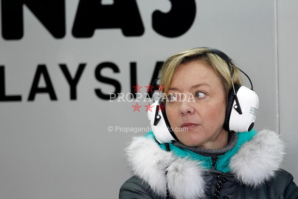 Motorsports / Formula 1: World Championship 2011, Test Valencia, Sabine Kehm, Pressesprecherin von Michael Schumacher (GER, Mercedes GP Petronas)