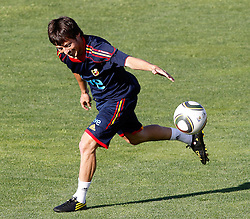 10.06.2010, Sportanlage, Potchefstroom, RSA, FIFA WM 2010, Training Spanien im Bild Spain's David Jimenez Silva, EXPA Pictures © 2010, PhotoCredit: EXPA/ Alterphotos/ Acero / SPORTIDA PHOTO AGENCY