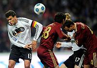 Fotball<br /> Russland v Tyskland<br /> Foto: Witters/Digitalsport<br /> NORWAY ONLY<br /> <br /> 10.10.2009<br /> <br /> v.l. Michael Ballack, Yury Zhirkov, Sergey Ignashevich Russland<br /> WM-Qualifikation Russland - Deutschland 0:1