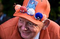 Nederland. Den Haag, 16 september 2008.<br /> Prinsjesdag.<br /> publiek bij paleis noordeinde.<br /> Foto Martijn Beekman<br /> NIET VOOR PUBLIKATIE IN LANDELIJKE DAGBLADEN.