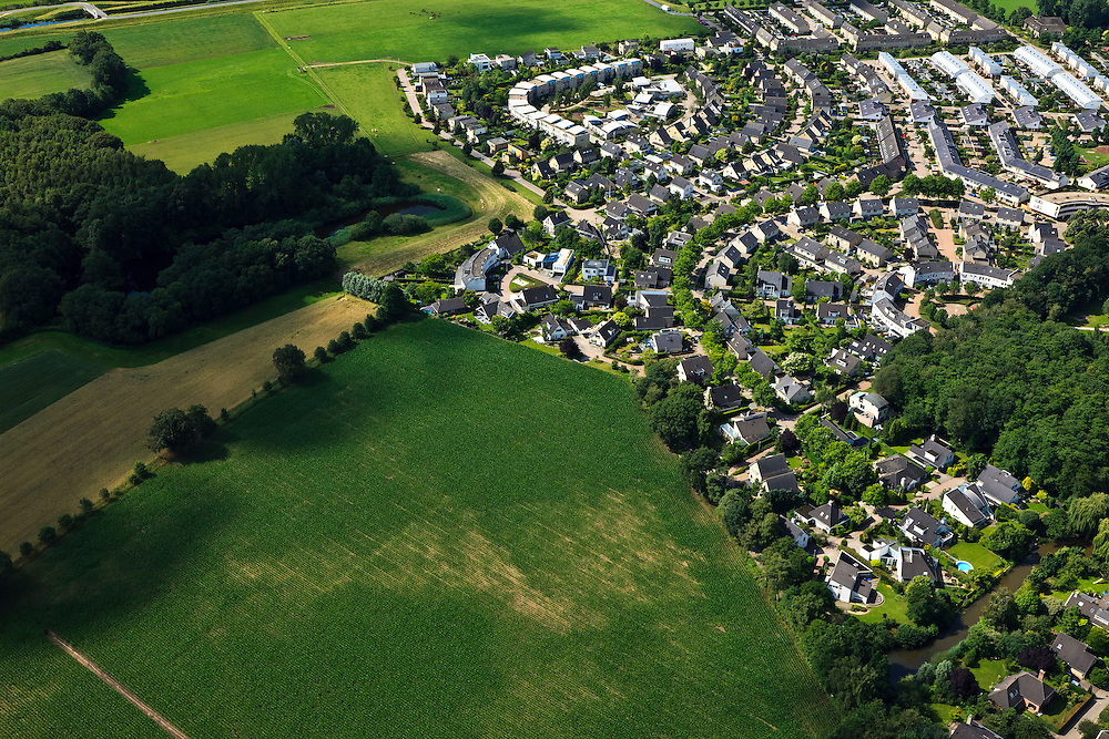 Nederland, Overijssel, Deventer, 30-06-2011; de wijk Colmschate luchtfoto (toeslag), aerial photo (additional fee required).copyright foto/photo Siebe Swart