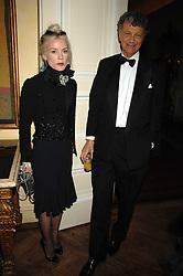 DAPHNE GUINNESS and the HON.WILLIAM SHAWCROSS at a dinner hosted by the Italian Ambassador for the Buccellati family held at the Italian Embassy, Grosvenor Square, London on 28th March 2007.<br /><br />NON EXCLUSIVE - WORLD RIGHTS