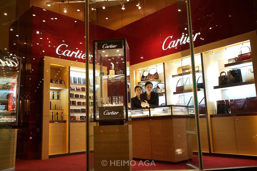 D Dong Khoi main shopping street. Cartier.