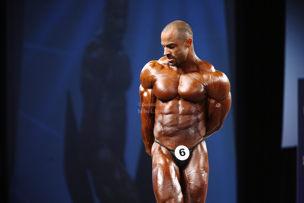 Mark Dugdale on stage at the pre-judging for the 2009 Olympia 202 competition in Las Vegas.