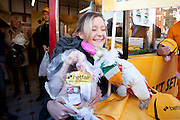 Repro Free: 05/12/2012.23 year old student Gill Conway from Rathfarnham brings home the turkey as Betfair gave away 150 free turkeys to members of the public as part of their ?Beat the Budget? giveaway on Dublin's Camden street. Pic Andres Poveda..