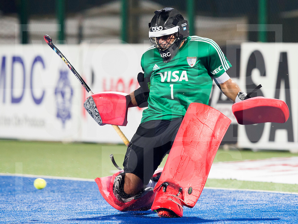 RAIPUR (India) -  goalie Juan Vivaldi  (Arg) . Hockey World League Final  men (Quarterfinals)  .  Argentina v Belgium (1-2)  .    © WSP / Koen Suyk