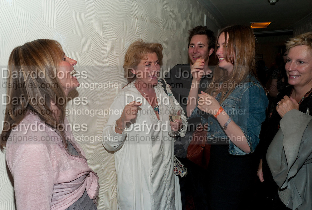GWYNETH STRONG; SUZANNE BERTISH, Press night for Ruby Wax- Losing it. Duchess theatre. London. 1 September 2011. <br /> <br />  , -DO NOT ARCHIVE-© Copyright Photograph by Dafydd Jones. 248 Clapham Rd. London SW9 0PZ. Tel 0207 820 0771. www.dafjones.com.