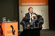 10° Festival Economia a Trento, Teatro Auditorium il Presidente del Consiglio Matteo Renzi e il Primo Ministro francese Manuel Valls, con la giornalista Lilli Gruber, Trento 30 maggio 2015 © foto Daniele Mosna