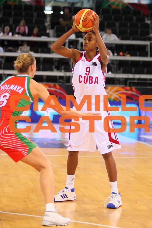 DESCRIZIONE : Madrid 2008 Fiba Olympic Qualifying Tournament For Women Cuba Belarus <br /> GIOCATORE : Yamara Amagro <br /> SQUADRA : Cuba <br /> EVENTO : 2008 Fiba Olympic Qualifying Tournament For Women <br /> GARA : Cuba Belarus Bielorussia <br /> DATA : 10/06/2008 <br /> CATEGORIA : Passaggio <br /> SPORT : Pallacanestro <br /> AUTORE : Agenzia Ciamillo-Castoria/S.Silvestri <br /> Galleria : 2008 Fiba Olympic Qualifying Tournament For Women <br /> Fotonotizia : Madrid 2008 Fiba Olympic Qualifying Tournament For Women Cuba Belarus <br /> Predefinita :