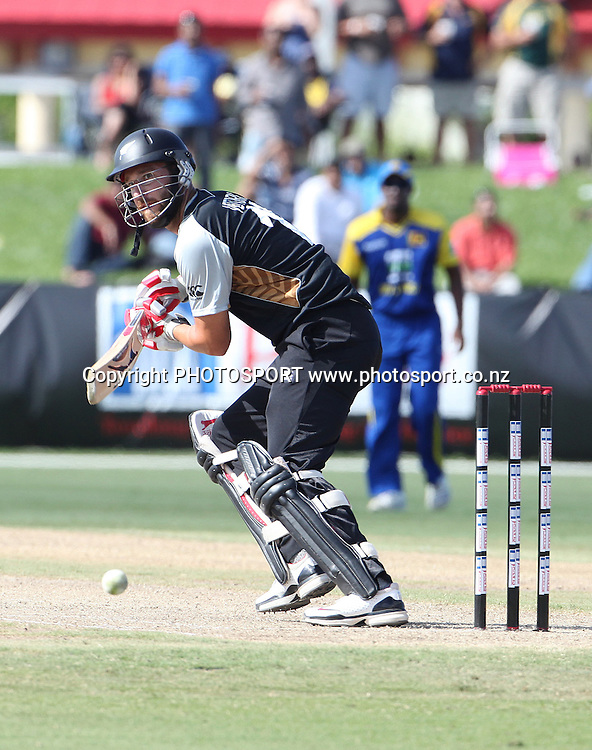 DL Vettori. New Zealand Black Caps v Sri Lanka, international exhibition Twenty 20 cricket match, Central Broward Regional Park, Florida, United States of America. 22 May 2010. Photo: Barry Bland/PHOTOSPORT