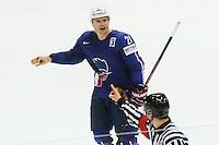 Antoine Roussel insulte l'arbitre et est expulse - 03.05.2015 - France / Suisse - Championnat du Monde de Hockey sur Glace -Prague <br />Photo : Xavier Laine / Icon Sport