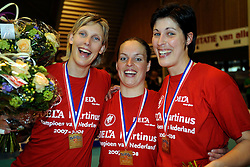 26-04-2008 VOLLEYBAL: DELA MARTINUS - AMVJ: AMSTELVEEN<br /> Martinus landskampioen 2007-2008 / Ingrid Visser, Francien Huurman en Janneke van Tienen<br /> &copy;2008-WWW.FOTOHOOGENDOORN.NL