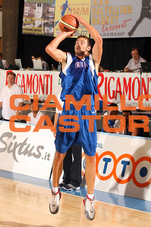 DESCRIZIONE : Bormio Torneo Internazionale Gianatti Australia Serbia <br /> GIOCATORE : Marko Jaric<br /> SQUADRA : Serbia <br /> EVENTO : Bormio Torneo Internazionale Gianatti <br /> GARA : Australia Serbia <br /> DATA : 02/08/2007 <br /> CATEGORIA : Tiro<br /> SPORT : Pallacanestro <br /> AUTORE : Agenzia Ciamillo-Castoria/G.Cottini