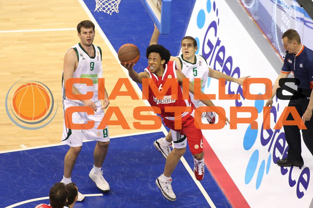 DESCRIZIONE : Berlino Eurolega 2008-09 Final Four Semifinale Olimpiacos Panathinaikos Atene<br /> GIOCATORE : Josh Childress<br /> SQUADRA : Olimpiacos Atene<br /> EVENTO : Eurolega 2008-2009 <br /> GARA : Olimpiacos Panathinaikos Atene<br /> DATA : 01/05/2009 <br /> CATEGORIA : tiro<br /> SPORT : Pallacanestro <br /> AUTORE : Agenzia Ciamillo-Castoria/G.Ciamillo<br /> Galleria : Eurolega 2008-2009 <br /> Fotonotizia : Berlino Eurolega 2008-2009 Final Four Semifinale Olimpiacos Panathinaikos Atene <br /> Predefinita :