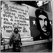"""José López """"El Ché Bolivariano""""<br /> Caracas - Venezuela 2004<br /> Photography by Aaron Sosa"""