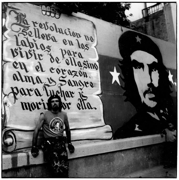Jos&eacute; L&oacute;pez &quot;El Ch&eacute; Bolivariano&quot;<br /> Caracas - Venezuela 2004<br /> Photography by Aaron Sosa