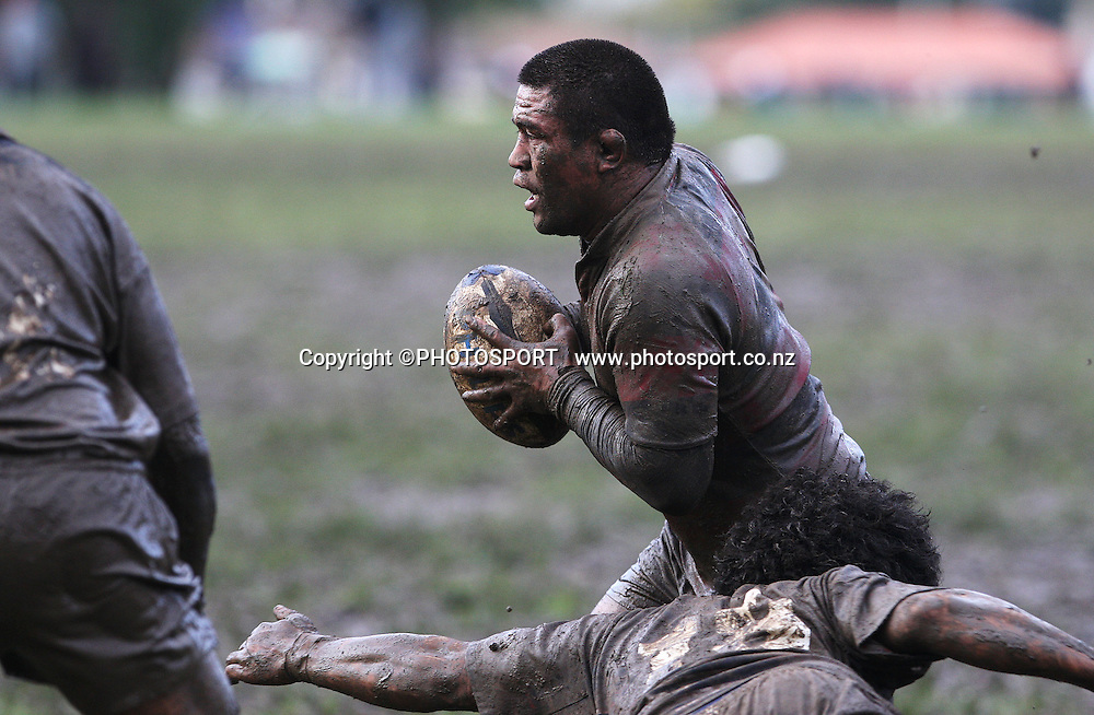 Kevin Mealamu tries to evade Toni Kautai. Manukau v Otahuhu, Final Score 60-8 to Otahuhu, Gallaher Shield, Club Rugby, Williams Park, 19 July 2008. Photo: William Booth/PHOTOSPORT