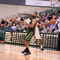 4th year forward Shawn Lathan (1) of the Regina Cougars during the Men's Basketball home game on January 27 at Centre for Kinesiology, Health and Sport. Credit: Arthur Ward/Arthur Images