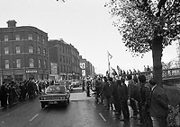 American President Richard Nixon's Motor Cavalcade on the Quays, The Egg throwing incident, circa October 1970 (Part of the Independent Newspapers Ireland/NLI Collection).