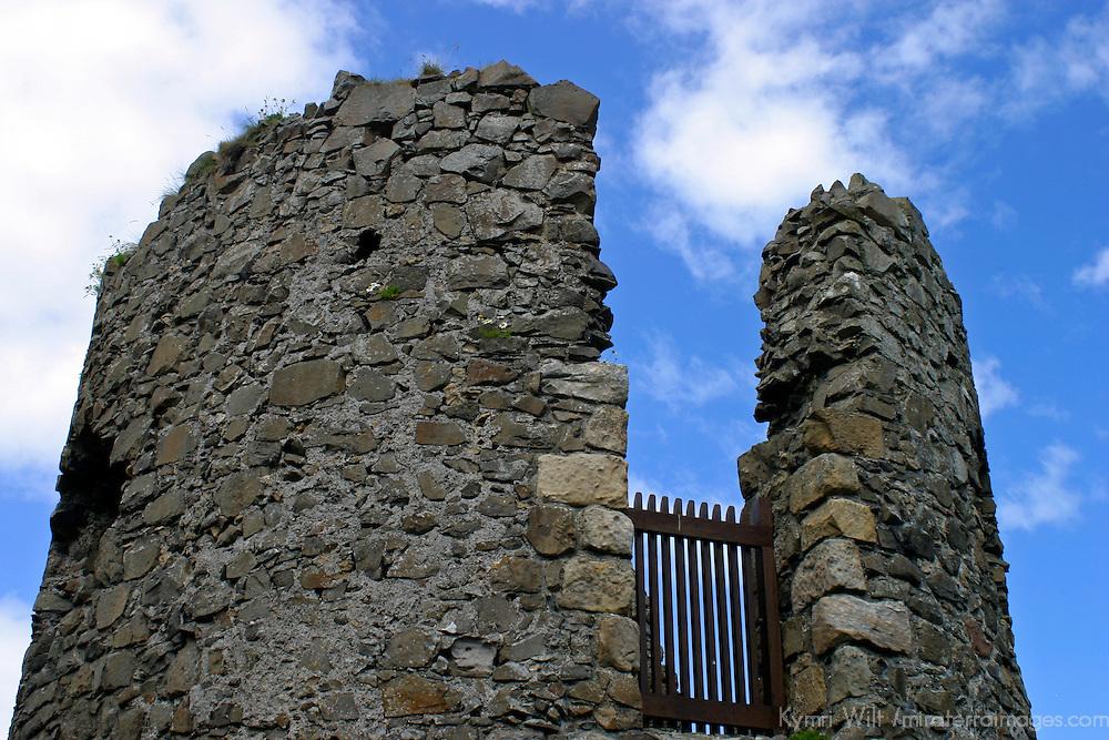 Europe, Ireland, Northern Ireland, Bushmills. Dunluce Castle.
