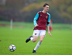 LONDON, ENGLAND - Saturday, November 4, 2017: West Ham United's Ben Wells during the Under-18 Premier League Cup Group D match between West Ham United FC and Liverpool FC at Little Heath. (Pic by David Rawcliffe/Propaganda)