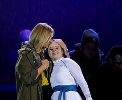 18.03.2017, Planai-Stadion, Schladming, AUT, Special Olympics 2017, Wintergames, Eröffnungsfeier, im Bild die deutsche Sängerin Helene Fischer mit Tänzerin Maria Naber // German singer Helene Fischer, and dancer Maria Naber during the opening ceremony in the Planai Stadium at the Special Olympics World Winter Games Austria 2017 in Schladming, Austria on 2017/03/17. EXPA Pictures © 2017, PhotoCredit: EXPA / Martin Huber