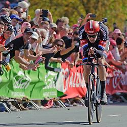 06-05-2016: Wielrennen: Giro: Apeldoorn: Individuele tijdrit: Proloog<br /> Tom Dumoulin zet de snelste tijd neer in de tijdrit van de Giro en pakt het eerste Roze