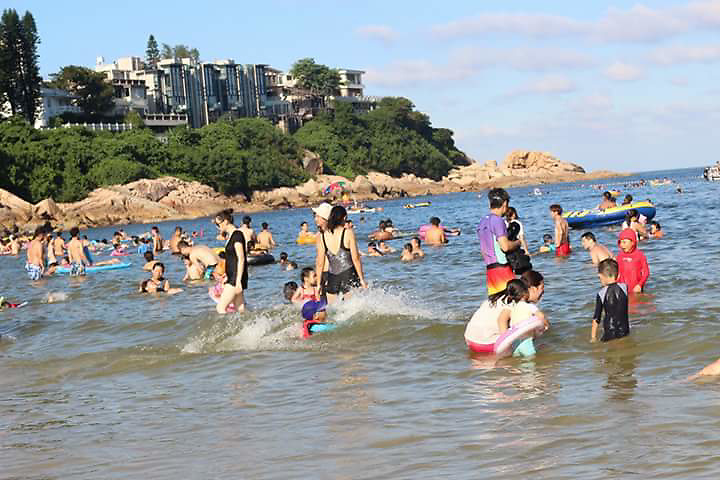 Shek O Beach by Nur Chamimah. <br />