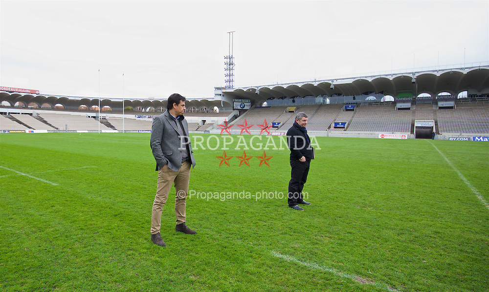 BORDEAUX, FRANCE - Tuesday, January 26, 2016: Wales' manager Chris Coleman and assistant manager Osian Roberts inspect the pitch at the Stade Chaban Delmas on an inspection visit ahead of the UEFA Euro 2016 Tournament. (Pic by David Rawcliffe/Propaganda)