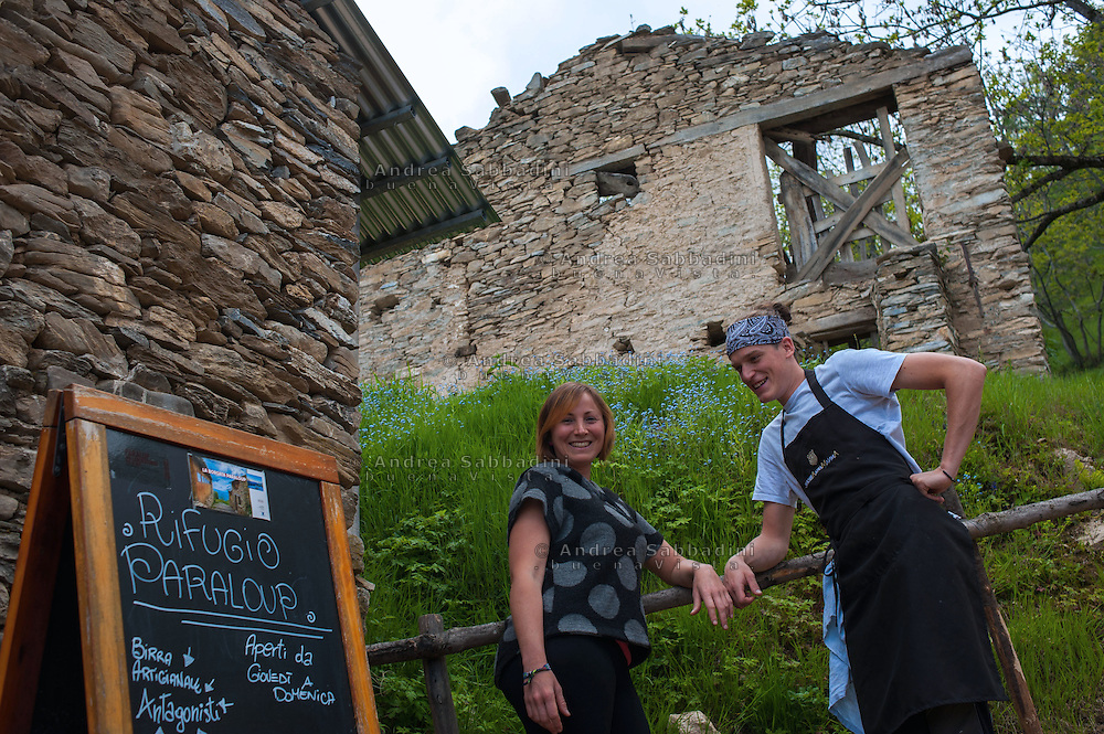 Paraloup (Sondrio), 28/05/2016: Sara Gorgerino, gestore del rifugio e Luca Galfr&egrave;, cuoco.<br /> &copy; Andrea Sabbadini
