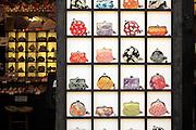 wallet display