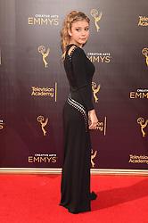 G. Hannelius bei der Ankunft zur Verleihung der Creative Arts Emmy Awards in Los Angeles / 110916 <br /> <br /> *** Arrivals at the Creative Arts Emmy Awards in Los Angeles, September 11, 2016 ***