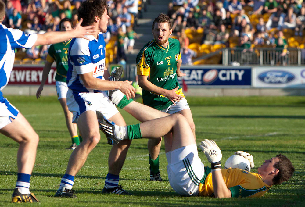 Senior Football Championship Quarter Final Replay. Meath vs Laois 19/6/10.Meath keeper, Paddy O`Rourke & Padraig McMahon (Laois) in the controversial incident that resulted in a red card for the Meath keeper.Photo: David Mullen /www.cyberimages.net