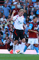 Photo: Mark Stephenson. <br />