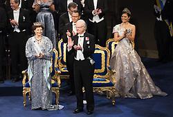 Kˆnigin Silvia, Prinz Daniel, Kˆnig Carl XVI Gustaf, Kronprinzessin Victoria bei der Nobelpreisverleihung 2016 in der Konzerthalle in Stockholm / 101216 <br /> <br /> ***The annual Nobel Prize Award Ceremony at The Concert Hall in Stockholm, December 10th, 2016***