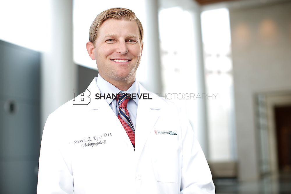 7/22/15 3:21:49 PM -- Dr. Steven Dyer poses for a portrait. <br /> <br /> Photo by Shane Bevel