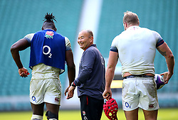 England head coach Eddie Jones with Maro Itoje and James Haskell during an open training session at Twickenham - Mandatory by-line: Robbie Stephenson/JMP - 16/02/2018 - RUGBY - Twickenham Stadium - London, England - England Rugby Open Training Session